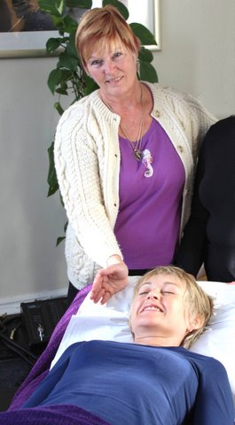 Reiki Master Eileen Las Vegas Nevada, Reiki Healing, Reiki Teaching and Classes Open 7  Days a Week